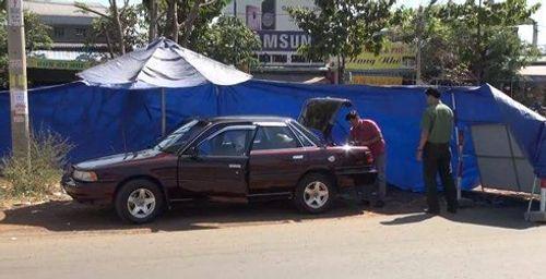 Diễn biến bất ngờ vụ ôtô cán bộ kiểm lâm nghi bị cài mìn khi dự đám tang - Ảnh 1