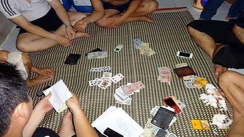 Phó Chủ tịch Hội đông y huyện đầu thú sau 20 ngày bỏ trốn về tội đánh bạc - Ảnh 1