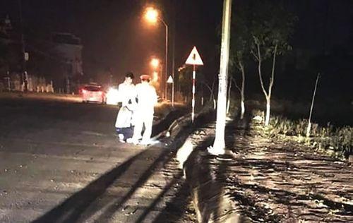 Tin tai nạn giao thông mới nhất ngày 25/1/2019: Xe máy kẹp 3 lao vào mép đường, 3 người thương vong - Ảnh 1