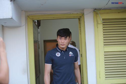Thủ thành Bùi Tiến Dũng tiết lộ lý do gia nhập CLB Hà Nội - Ảnh 1