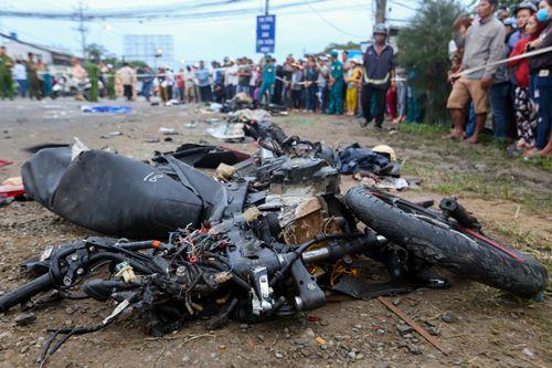 """Lời khai tài xế gây tai nạn thảm khốc ở Long An: """"Nhìn qua kiếng hậu thấy la liệt thi thể nạn nhân"""" - Ảnh 2"""