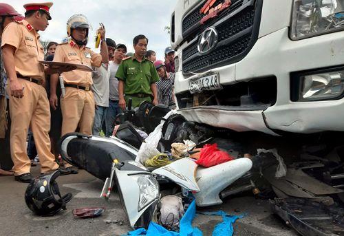 """Thông tin """"sốc"""" về tài xế container gây tai nạn thảm khốc ở Long An, 4 người chết - Ảnh 2"""