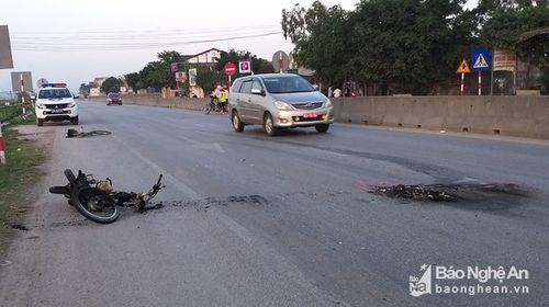 Tin tai nạn giao thông mới nhất ngày 31/1/2019: Ngã ra đường sau va chạm, 2 tài xế xe máy bị ô tô tông chết - Ảnh 3