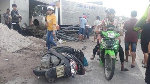 """Vượt xe cẩu """"bất thành"""", ôtô tải tông chết 2 người ở Phú Quốc: Bắt tạm giam tài xế - Ảnh 1"""