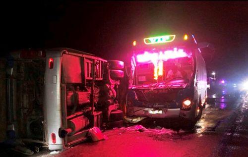 2 xe khách tông nhau, 14 người thương vong ở Bình Định: Cùng một chủ xe - Ảnh 1