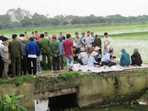 Hé lộ nguyên nhân vụ 2 thanh niên tử vong dưới mương nước ở Bắc Giang - Ảnh 1