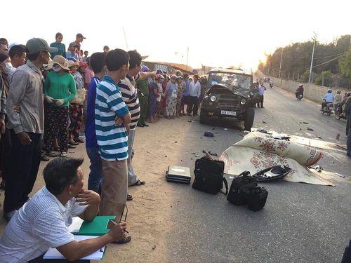 Xe máy đối đầu xe Jeep, 2 chiến sĩ cảnh sát PCCC tử vong tại chỗ - Ảnh 1