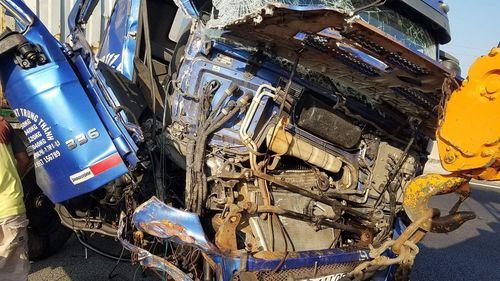 Tin tai nạn giao thông mới nhất ngày 27/2/2019: Đang cứu hộ trên cao tốc, tài xế container bị tông chết - Ảnh 1