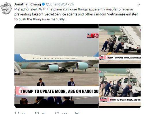 Xe thang chuyên cơ Tổng thống Mỹ bị trục trặc, đặc vụ phải hợp sức đẩy ra - Ảnh 1