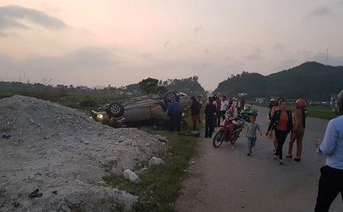 Tin tai nạn giao thông mới nhất ngày 8/2/2019: Ô tô tải tông loạt xe máy chờ đèn đỏ, 3 người đi cấp cứu - Ảnh 3