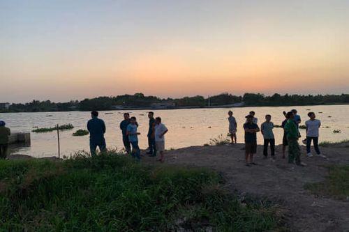 Tin tức thời sự 24h mới nhất ngày 2/3/2019: Đi câu cá, kinh hãi phát hiện thi thể phụ nữ nổi dưới sông - Ảnh 4