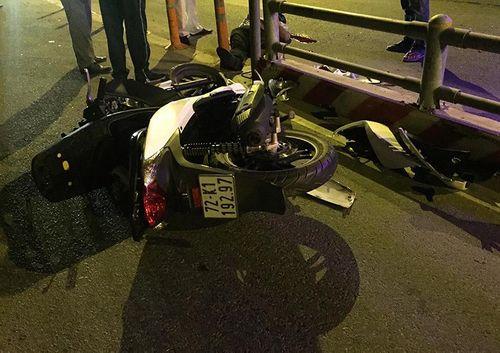 Lao vào dải phân cách trên cao tốc, nam thanh niên đi xe SH chết thảm - Ảnh 1