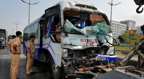 Tin tai nạn giao thông mới nhất ngày 3/3/2019: Đội thúng trên đầu đi qua đường, người phụ nữ bị xe tông chết - Ảnh 3