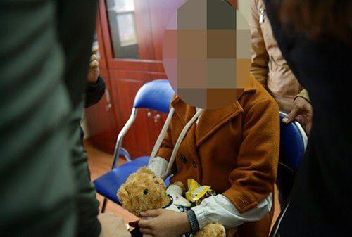 Vụ bé gái 9 tuổi bị xâm hại ở vườn chuối: Trưởng Công an huyện Chương Mỹ nói gì? - Ảnh 2
