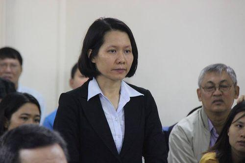 """Xét xử vụ Hà Văn Thắm giai đoạn 2: """"Bóng hồng"""" Oceanbank tiều tụy hầu tòa - Ảnh 2"""
