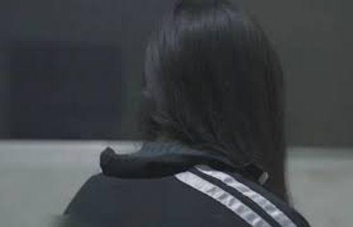 Người mẹ bàng hoàng bắt quả tang gã hàng xóm xâm hại con gái 14 tuổi - Ảnh 1