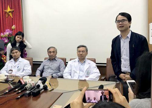"""Bác sĩ Bệnh viện Bạch Mai xin lỗi vì phát ngôn """"gây hiểu lầm"""" ở chùa Ba Vàng - Ảnh 1"""