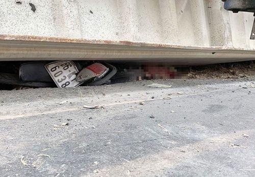 Vụ lật container làm 3 người chết: Thắt lòng nỗi đau kẻ đầu bạc lại tiễn người đầu xanh - Ảnh 2