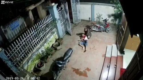 Video: Hỗn chiến kinh hoàng ở Vĩnh Phúc, 1 người tử vong - Ảnh 1