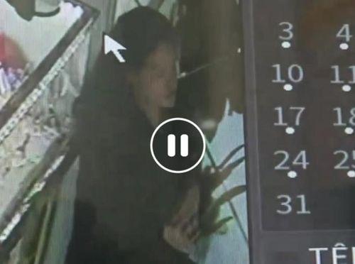 Điều tra vụ cô gái trẻ cầm dao đe dọa nữ chủ tiệm vàng, cướp dây chuyền - Ảnh 1