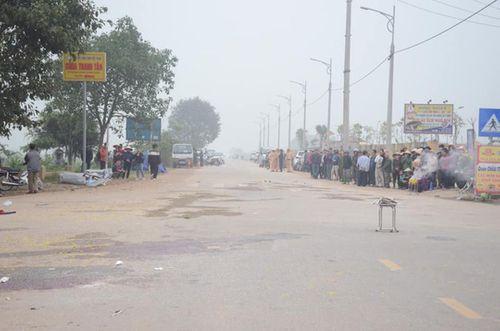 Vụ xe khách đâm đoàn đưa tang khiến 7 người chết ở Vĩnh Phúc: Tài xế xe khách khai nguyên nhân dẫn đến bi kịch - Ảnh 2