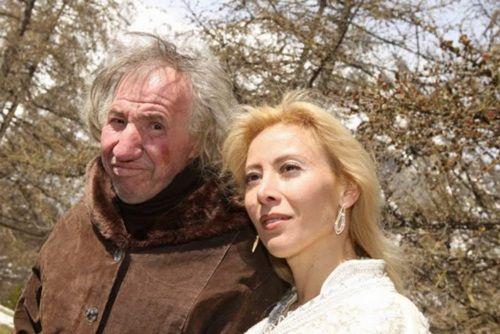Người phụ nữ xinh đẹp đồng ý cưới cụ ông 67 tuổi và cái kết không ngờ - Ảnh 2