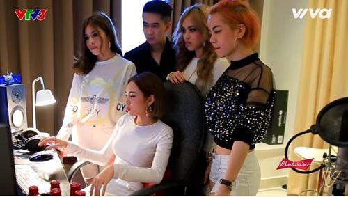 Nội bộ team SGirls mâu thuẫn gay gắt, Yến Trang mất trang phục trước giờ diễn - Ảnh 1