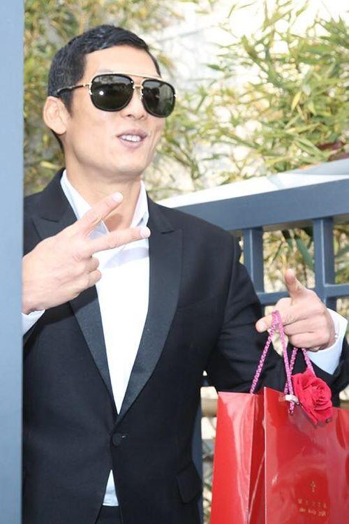 Đám cưới Bi Rain- Kim Tae Hee: Cô dâu mặc váy ngắn khoe chân thon - Ảnh 8