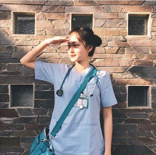 Nữ bác sĩ xinh đẹp giống Phạm Băng Băng gây sốt cộng đồng mạng - Ảnh 3
