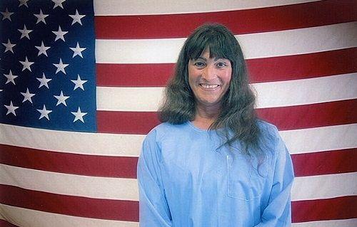 Phạm nhân Giết người ở Mỹ được phẫu thuật chuyển giới miễn phí  - Ảnh 1
