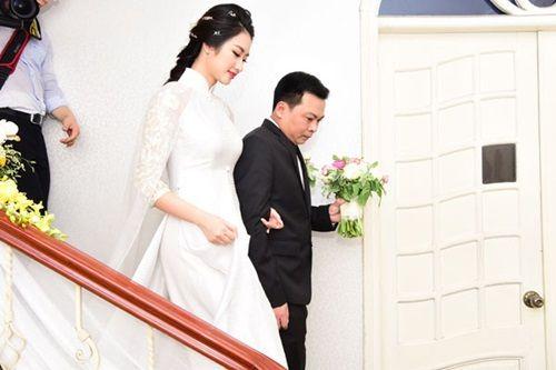 Chồng đại gia tặng siêu xe và mang 21 tráp lễ hỏi cưới Hoa hậu Thu Ngân - Ảnh 5