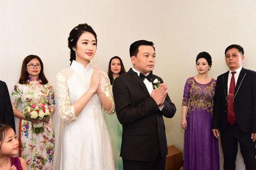 Chồng đại gia tặng siêu xe và mang 21 tráp lễ hỏi cưới Hoa hậu Thu Ngân - Ảnh 6
