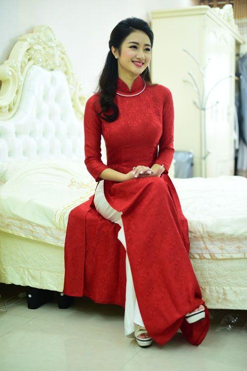 Chồng đại gia tặng siêu xe và mang 21 tráp lễ hỏi cưới Hoa hậu Thu Ngân - Ảnh 4