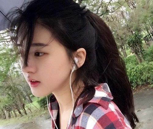 Nhan sắc nữ sinh Trung Quốc bị chụp lén vì quá xinh đẹp - Ảnh 1