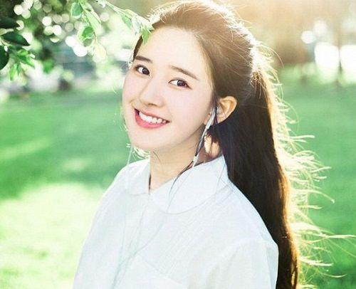 Nhan sắc nữ sinh Trung Quốc bị chụp lén vì quá xinh đẹp - Ảnh 3