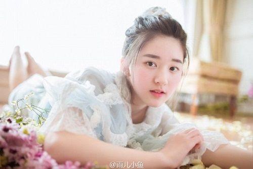 Nhan sắc nữ sinh Trung Quốc bị chụp lén vì quá xinh đẹp - Ảnh 5