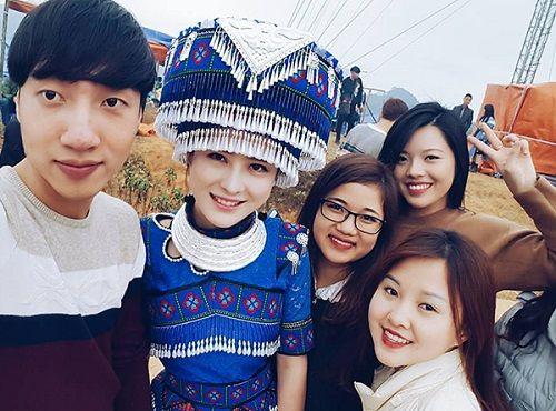 Cô gái H'Mông xinh đẹp trong lễ hội ở Lào Cai gây sốt cộng đồng mạng - Ảnh 3