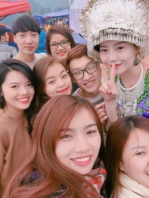 Cô gái H'Mông xinh đẹp trong lễ hội ở Lào Cai gây sốt cộng đồng mạng - Ảnh 5