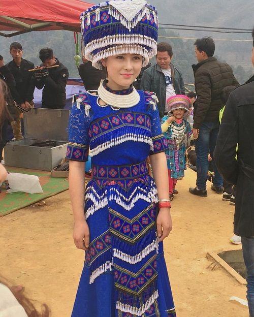 Cô gái H'Mông xinh đẹp trong lễ hội ở Lào Cai gây sốt cộng đồng mạng - Ảnh 2