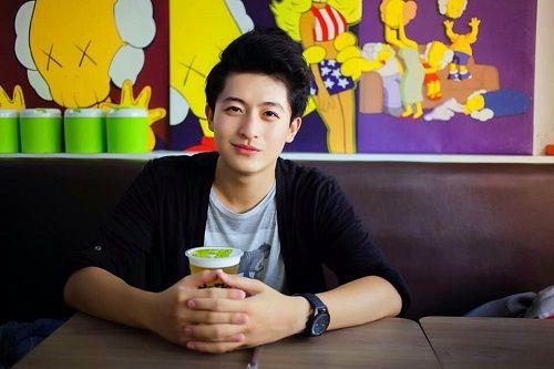 Diễn viên Harry Lu sang Đài Loan để chữa chấn thương mặt sau tai nạn - Ảnh 2