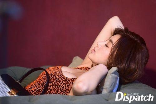 Cận cảnh vẻ đẹp nóng bỏng của bạn gái tài tử Hyun Bin - Ảnh 4