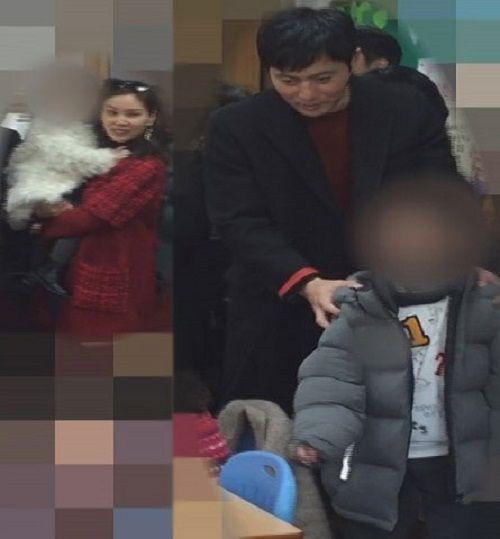 Tài tử Jang Dong Gun lần đầu lộ diện cùng vợ và hai con - Ảnh 1