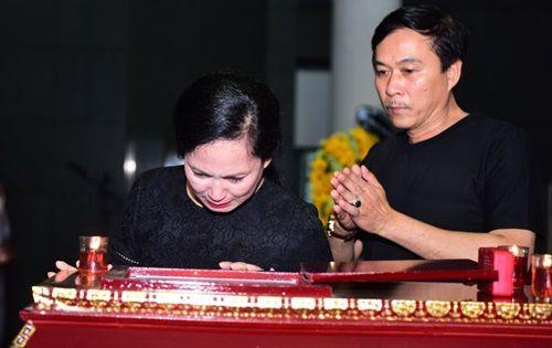 NSND Lan Hương, Công Lý, Xuân Bắc và nhiều nghệ sĩ tiễn đưa NS Duy Thanh - Ảnh 1
