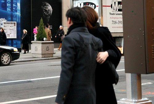 """Lộ ảnh Hồ Ngọc Hà thân mật với """"đại gia kim cương"""" tại Mỹ - Ảnh 1"""