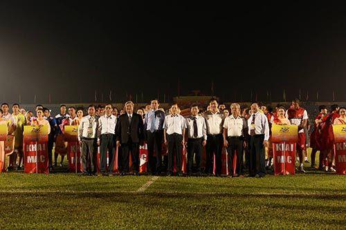 """Khai mạc BTV – Cup Number 1: Đội bóng của """"Messi Campuchia"""" lấn át chủ nhà Bình  - Ảnh 2"""