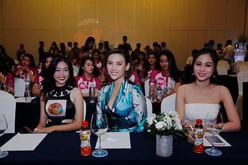 """Hoa khôi VMU 2016 sẽ tham gia """"Hành trình Tuổi trẻ vì biển đảo quê hương"""" - Ảnh 4"""
