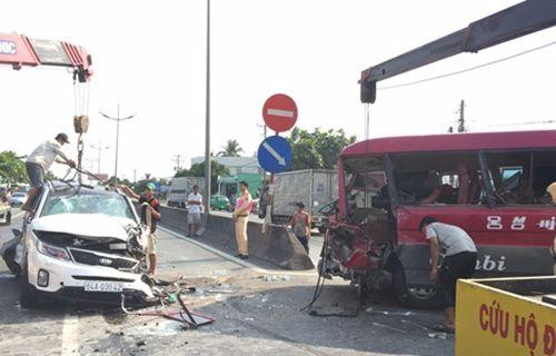 Tai nạn liên hoàn ở đường dẫn cao tốc, một người tử vong tại chỗ - Ảnh 1