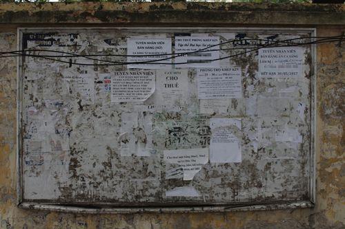 Chùm ảnh: Quảng cáo, rao vặt lem nhem khắp Thủ đô - Ảnh 8