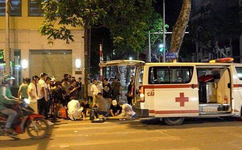 Xe cấp cứu gây tai nạn khiến người đi bộ tử vong tại chỗ - Ảnh 2