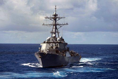 Tàu chiến Mỹ va chạm tàu chở hàng trên biển Nhật Bản, 7 người mất tích - Ảnh 1